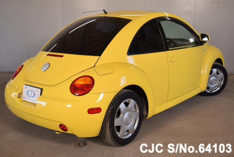Volkswagen Beetle in Yellow for Sale Image 2