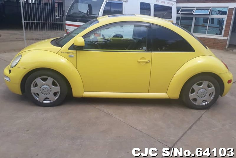 Volkswagen Beetle in Yellow for Sale Image 5