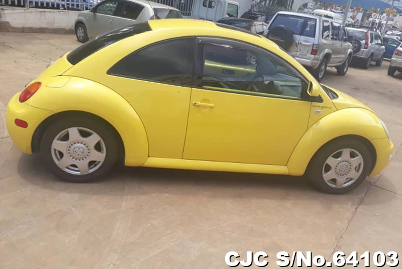 Volkswagen Beetle in Yellow for Sale Image 4