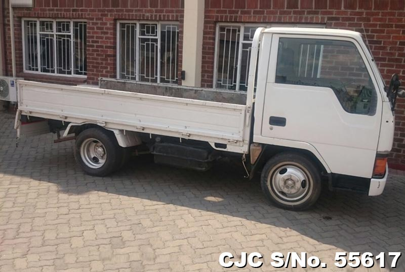 Mitsubishi Canter in White for Sale Image 8