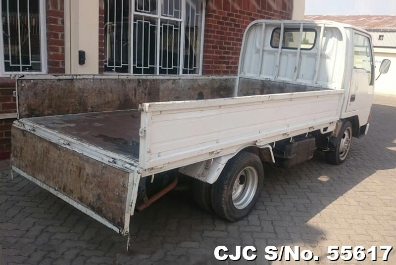 Mitsubishi Canter in White for Sale Image 2