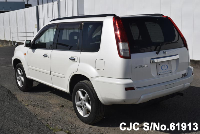 Nissan X Trail in White for Sale Image 1