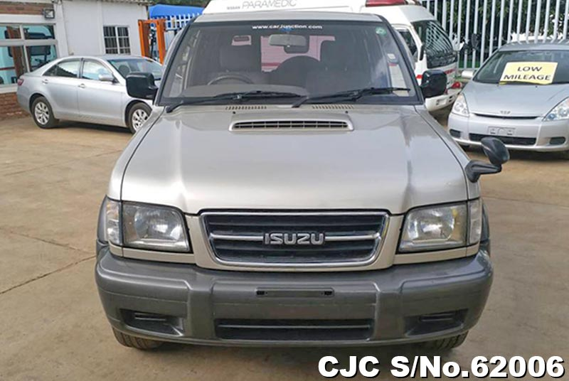 Isuzu Bighorn in Champagne for Sale Image 4