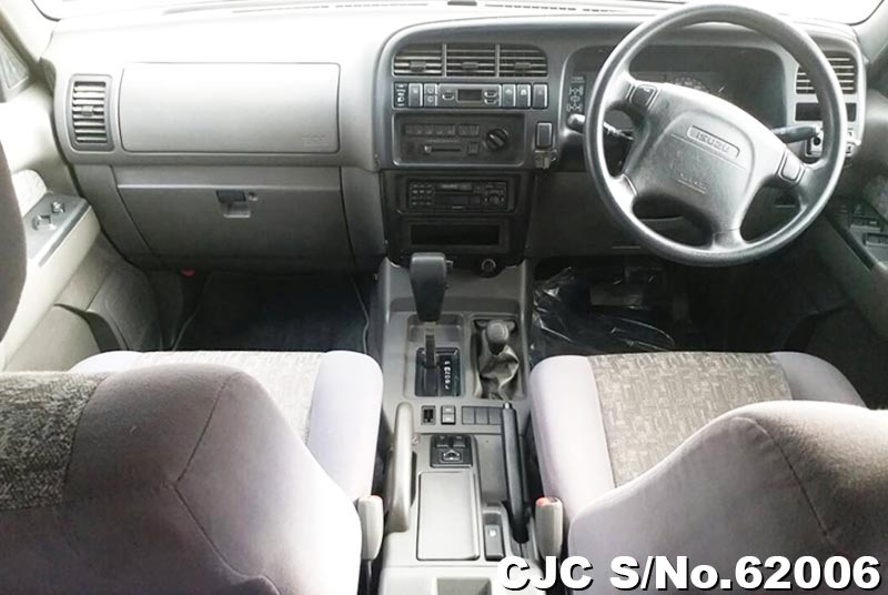 Isuzu Bighorn in Champagne for Sale Image 15