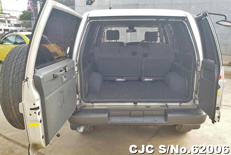 Isuzu Bighorn in Champagne for Sale Image 10