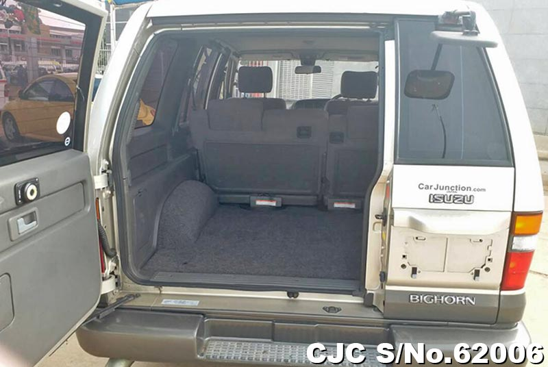 Isuzu Bighorn in Champagne for Sale Image 8