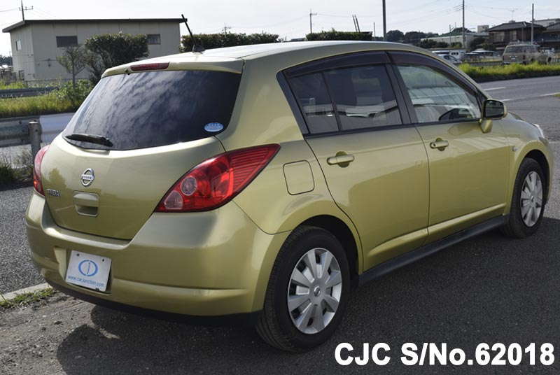 Nissan Tiida in Yellow for Sale Image 2