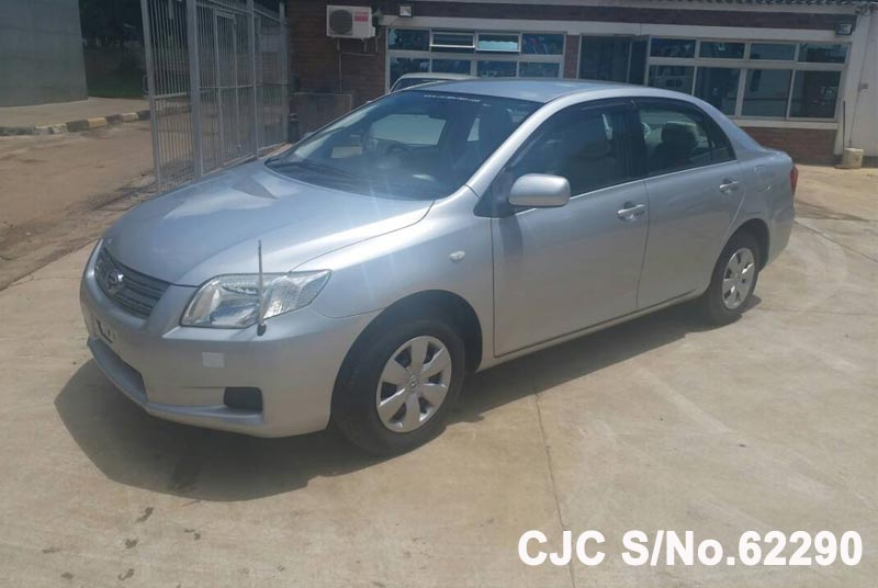 Toyota Corolla Axio in Silver for Sale Image 3
