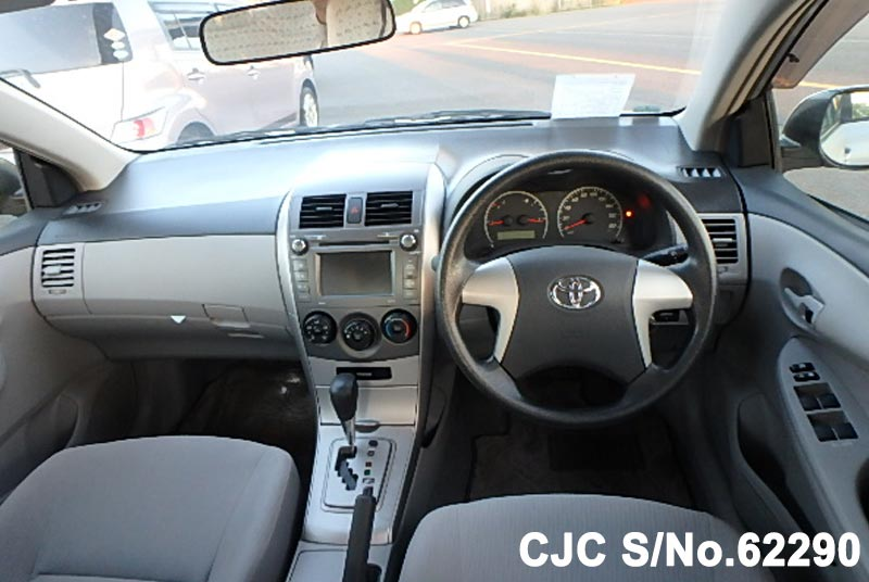 Toyota Corolla Axio in Silver for Sale Image 13