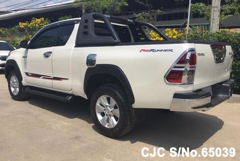 Toyota Hilux in White for Sale Image 1