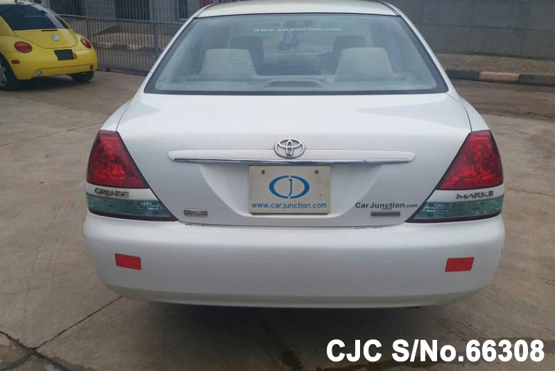 Toyota Mark II in White for Sale Image 5