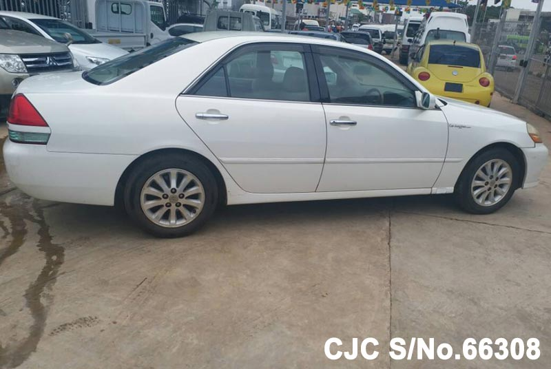 Toyota Mark II in White for Sale Image 6