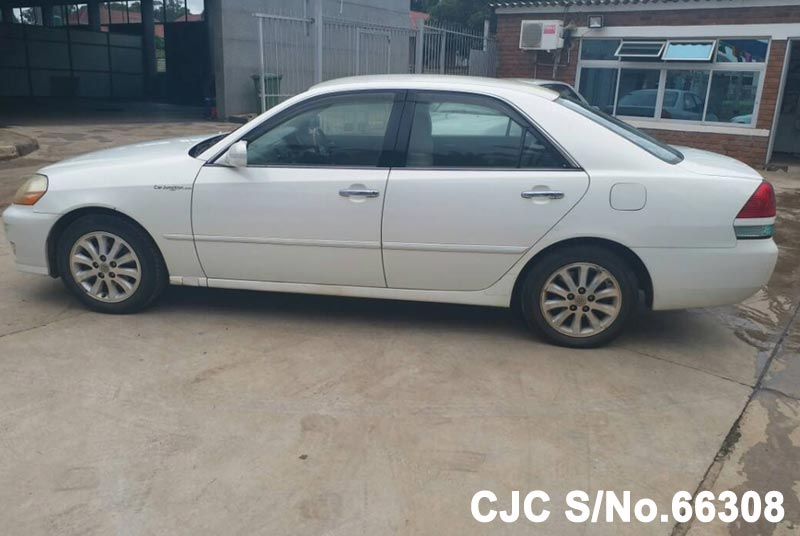 Toyota Mark II in White for Sale Image 7