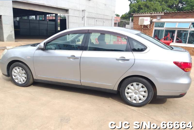 Nissan Bluebird Sylphy in Silver for Sale Image 2