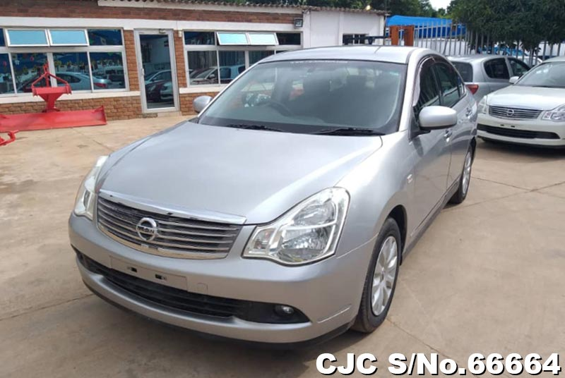 Nissan Bluebird Sylphy in Silver for Sale Image 3