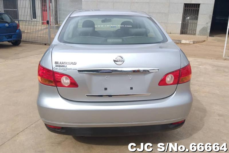 Nissan Bluebird Sylphy in Silver for Sale Image 4