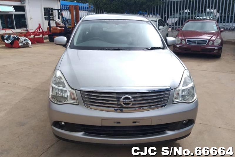 Nissan Bluebird Sylphy in Silver for Sale Image 5