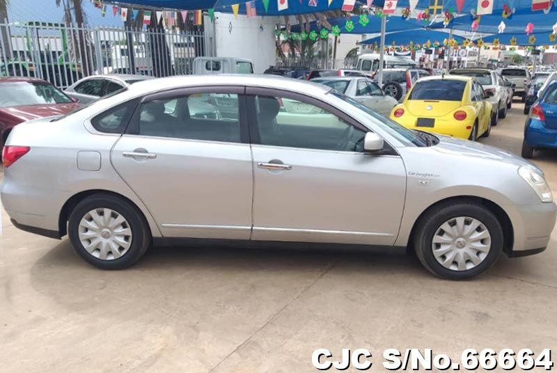 Nissan Bluebird Sylphy in Silver for Sale Image 6