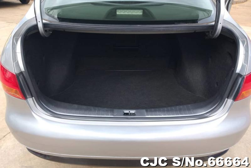Nissan Bluebird Sylphy in Silver for Sale Image 7