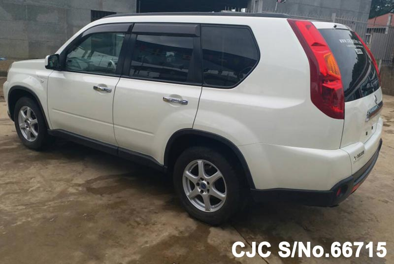 Nissan X-Trail in White for Sale Image 1