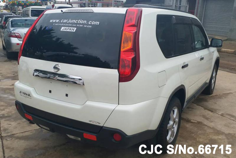 Nissan X-Trail in White for Sale Image 2
