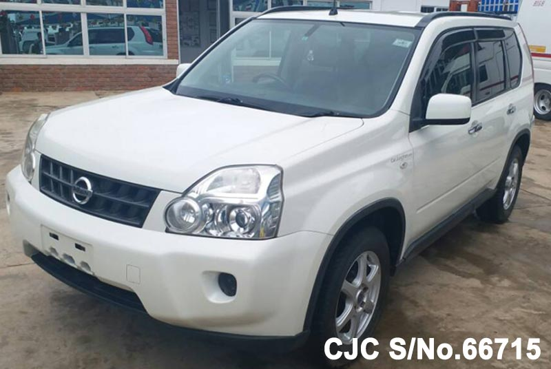 Nissan X-Trail in White for Sale Image 3