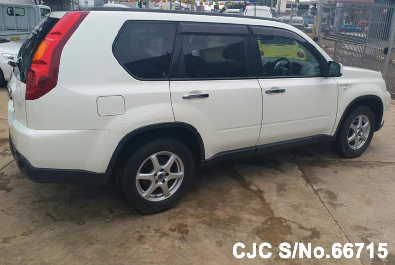 Nissan X-Trail in White for Sale Image 8