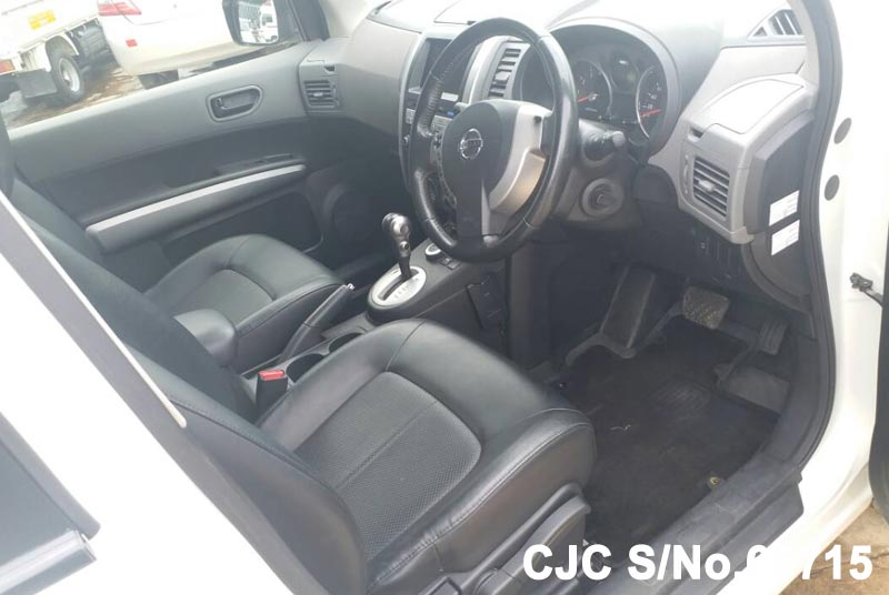 Nissan X-Trail in White for Sale Image 12