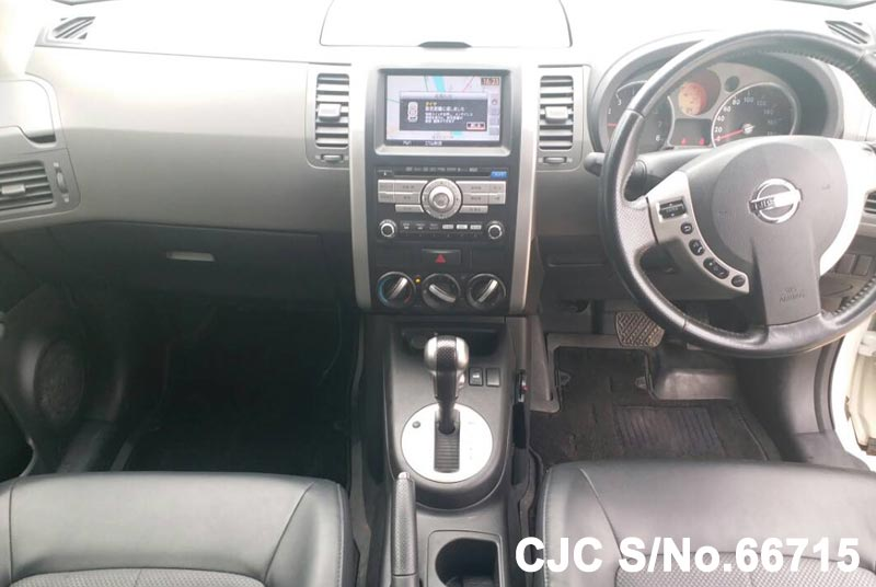 Nissan X-Trail in White for Sale Image 13