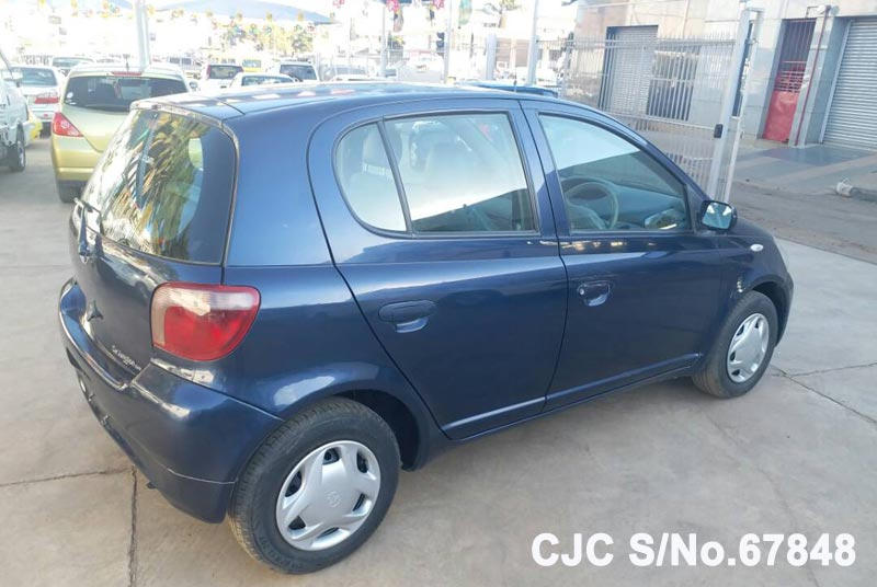 Toyota Vitz - Yaris in Blue for Sale Image 2