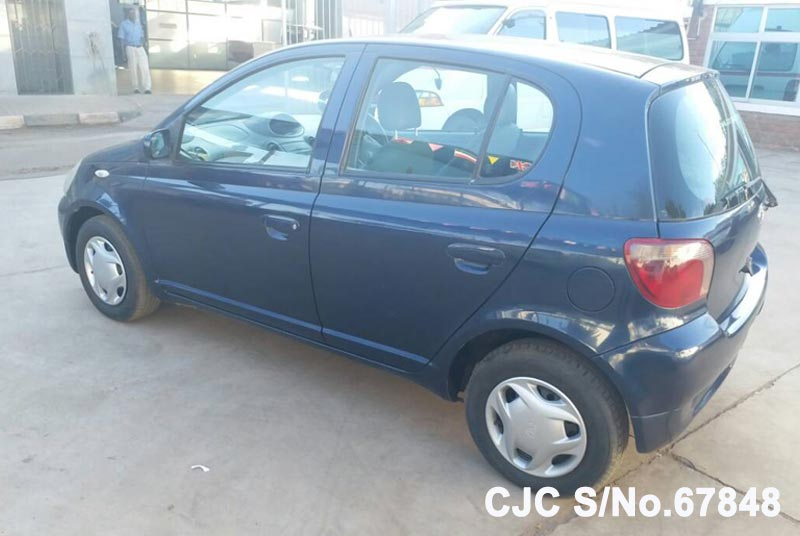 Toyota Vitz - Yaris in Blue for Sale Image 6