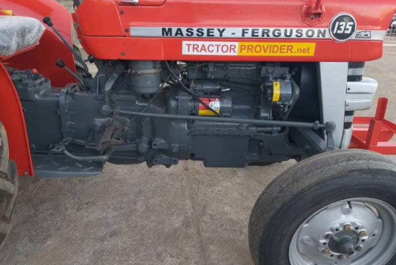 Massey Ferguson MF-135 tractor for Sale Image 9