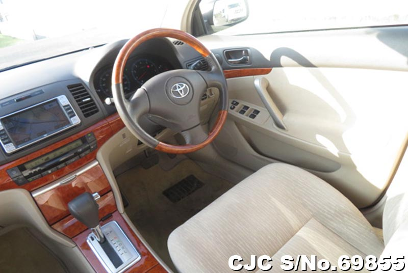 Toyota Allion in White for Sale Image 11