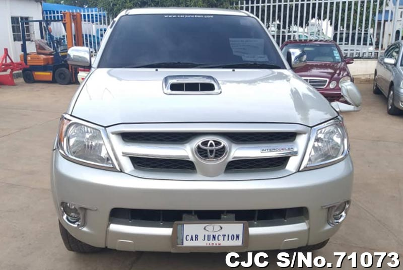 Toyota Hilux in Silver for Sale Image 5