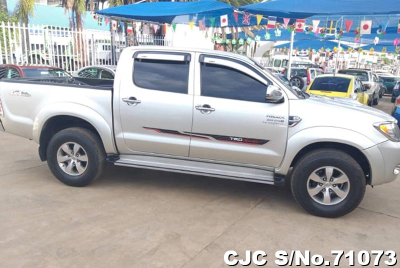 Toyota Hilux in Silver for Sale Image 6