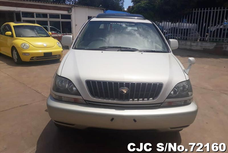 Toyota Harrier in White 2 Tone for Sale Image 6