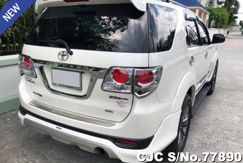 Toyota Fortuner in White for Sale Image 2