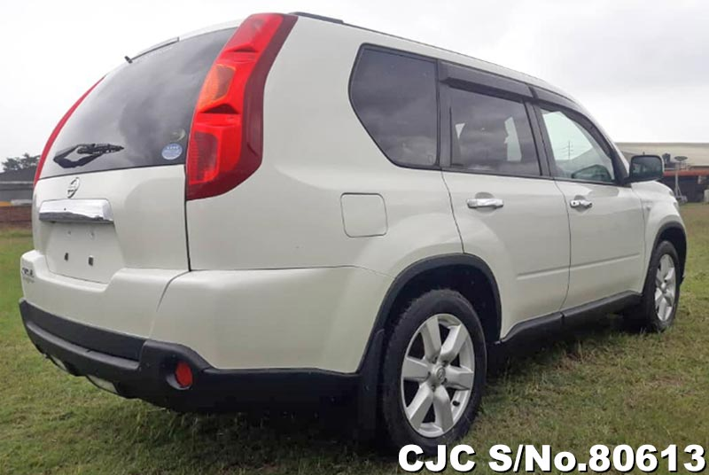Nissan X-Trail in Pearl for Sale Image 1