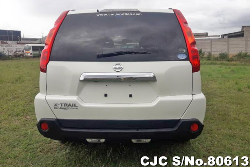 Nissan X-Trail in Pearl for Sale Image 5