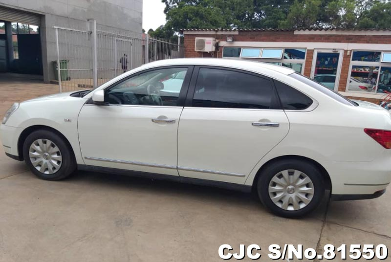 Nissan Bluebird Sylphy in White for Sale Image 6