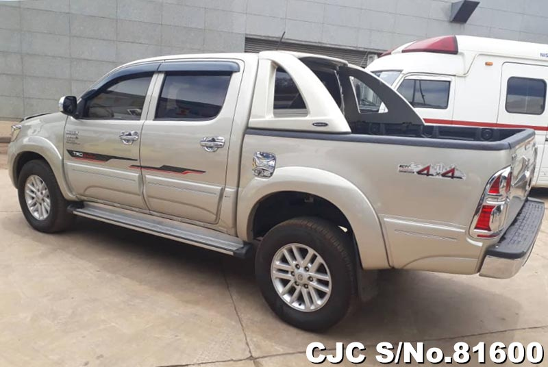 Toyota Hilux in Beige for Sale Image 1