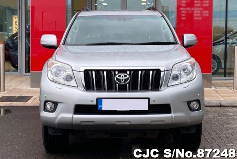 Toyota Land Cruiser Prado in Silver for Sale Image 4