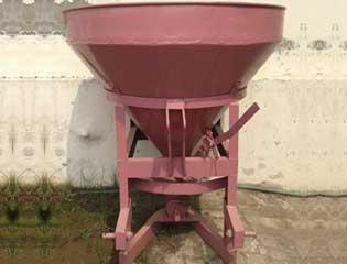 Fertilizer Spreader 1